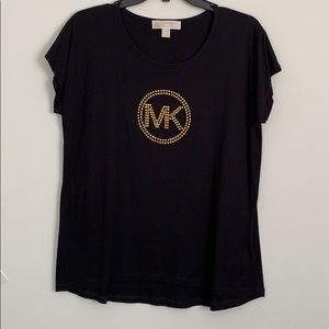 Michael kors shirt new with tags on size medium